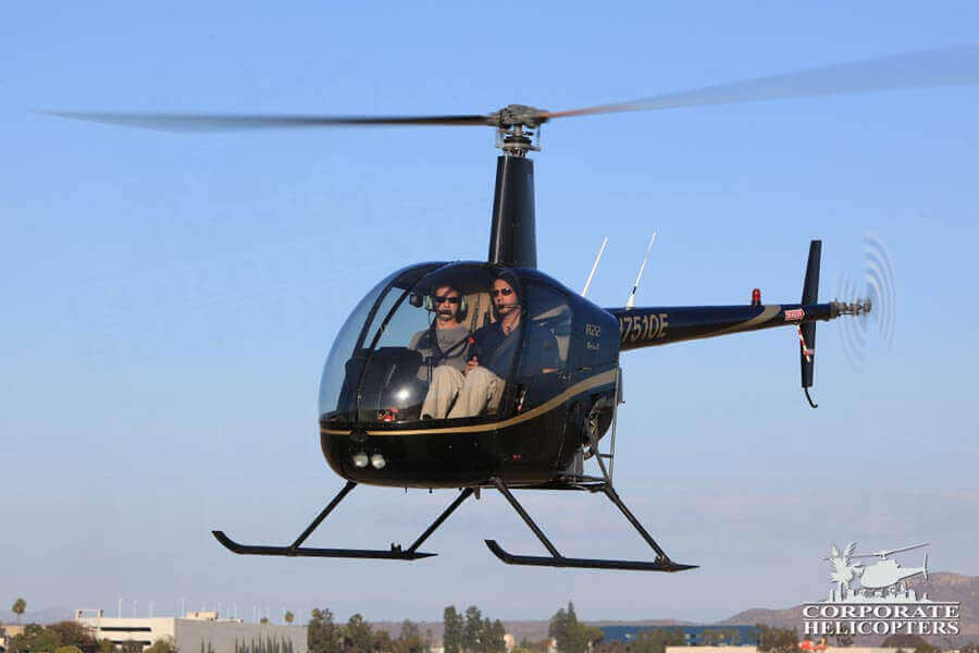 Helicopter flight training school / flight lessons