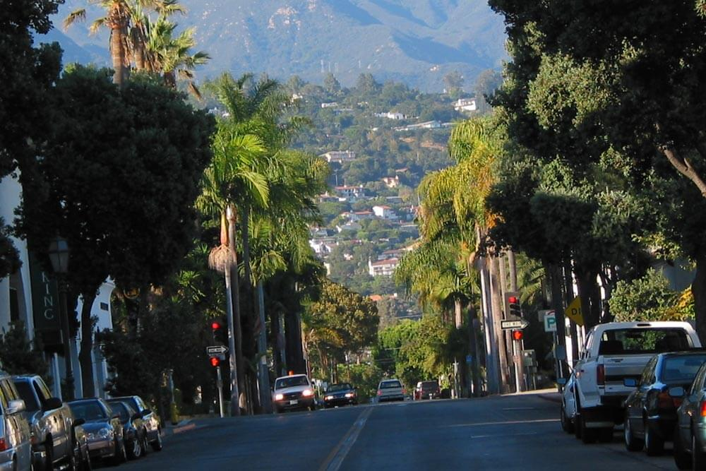 Santa Barbara. By David Liu - Own work, CC BY-SA 3.0, https://commons.wikimedia.org/w/index.php?curid=11654777